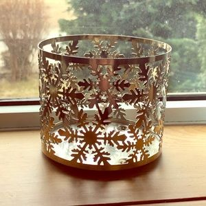 BATH & BODY WORKS Snowflake 3-Wick Candle Sleeve